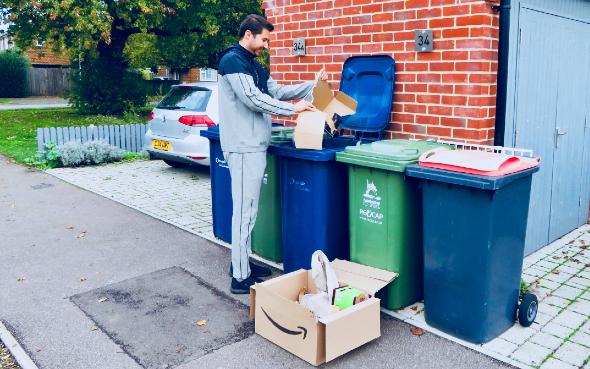 CirPlas - Scotland - Resident recycles - 590x369