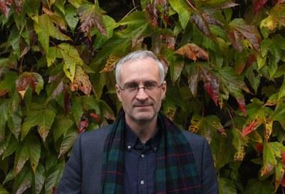 Dr Jake  Reynolds