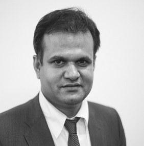 Dr Siddharth  S Saxena