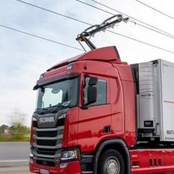 Electric roads will help cut UK road freight emissions - Centre for Sustainable Road Freight team has proposed that building an 'electric road system' could be used to decarbonise 65% of UK lorry kilometres travelled by 2040.